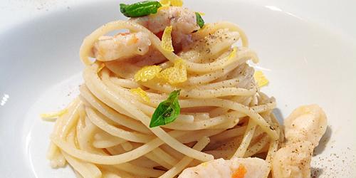 Spaghetti mancini con rana pescatrice limone e polvere di capperi