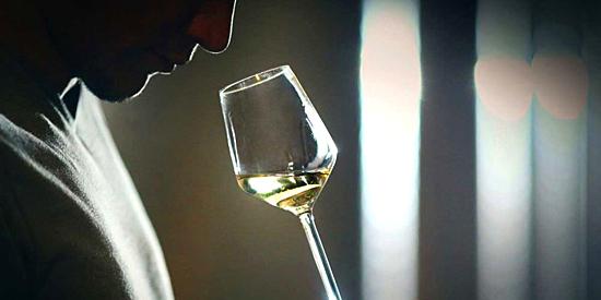 vino-sintetico-Ava-Winery